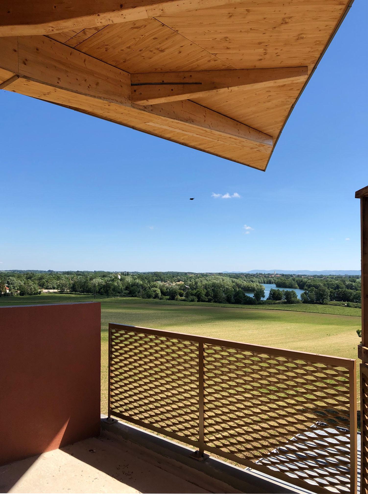 Montrevel Jayat_chantier_vue depuis la terrasse de l' immeuble collectif