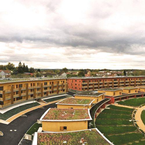 Montrevel en Bresse - Jayat - Vue aérienne d'ensemble des 88 logements individuels et collectifs